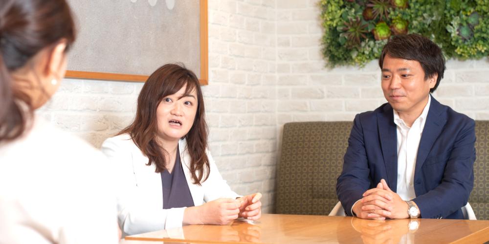 accrea 真部(左)、AALM経営企画部 横井川様(中央)、AALM経営企画部 岡田様(右)